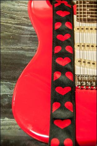 VO Guitar Strap Black Forest Dark Hearts